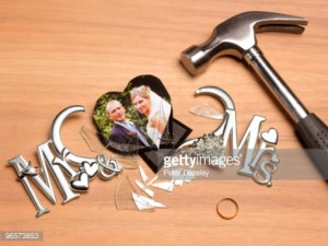 wedding pic smashed with hammer